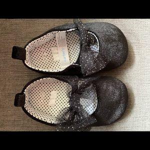 Infant girls ballerina black shoes size 9-12 month